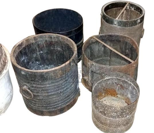 Iron & wood bucket