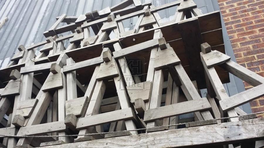 Fixed wood trestle