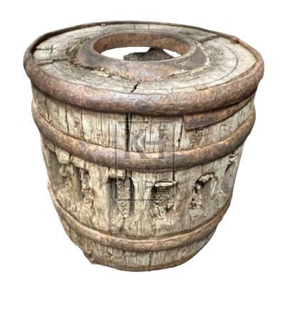 Wood wheel hub