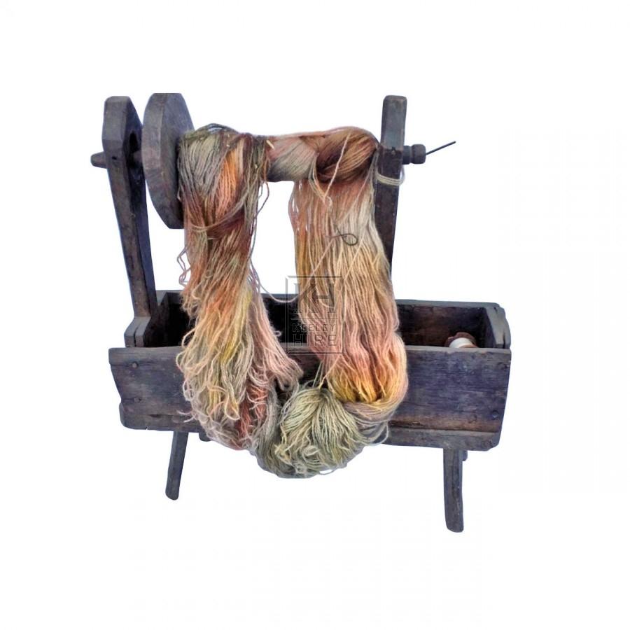 Wool spinning box