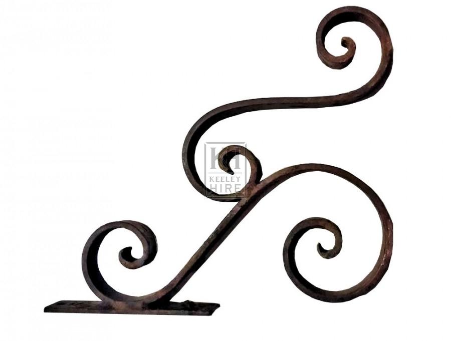 Iron double scroll bracket