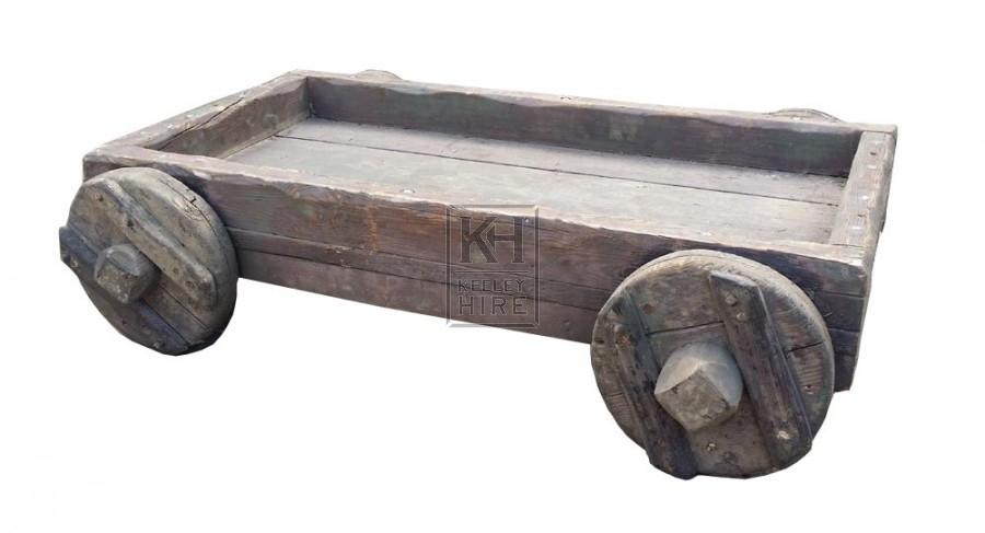 Flat low 4-wheel trolley