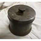 Round iron pot with lid