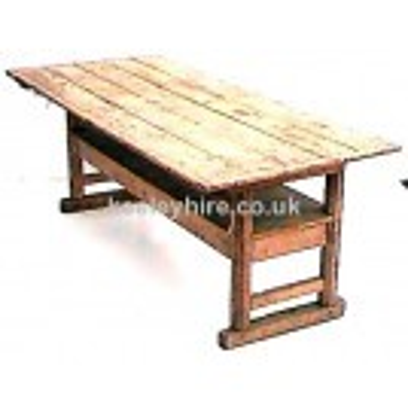 Pine Table / Settle