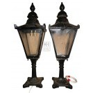 Small Windsor lamp top on pedestal
