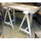 Trestle table with fixed legs