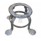 Iron trivet with feet