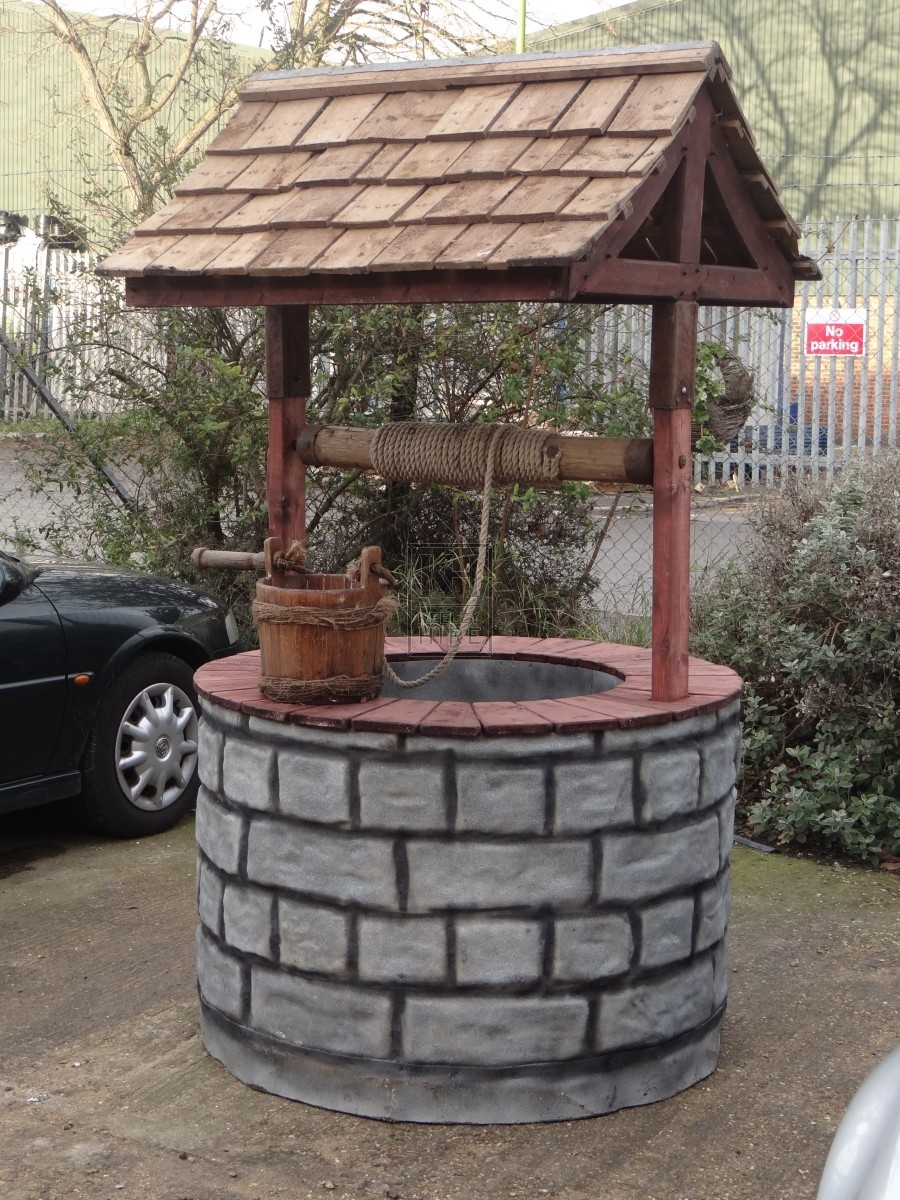 medieval prop hire  u00bb wishing well