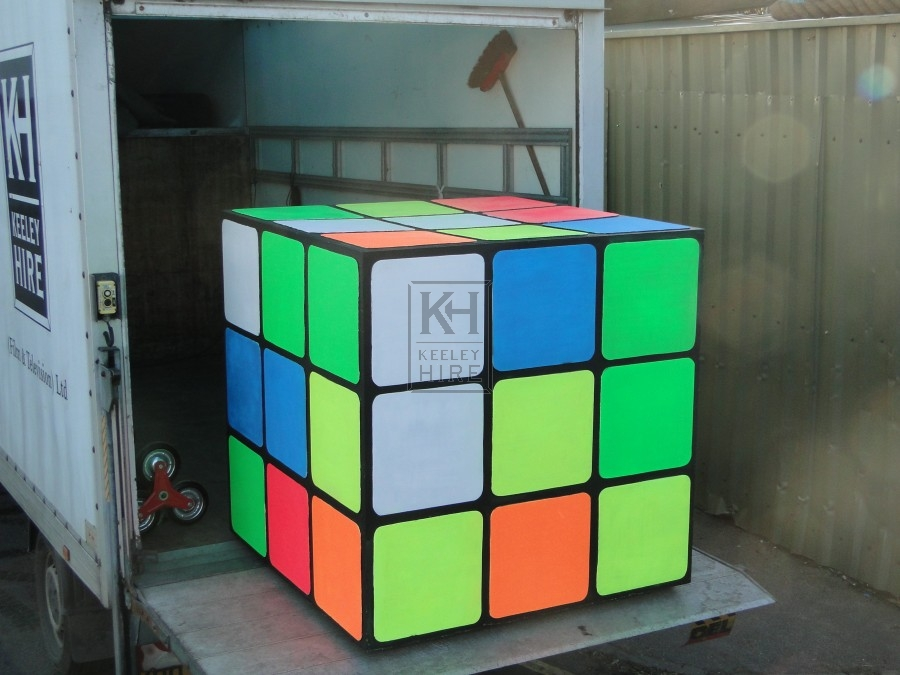 retro 70s and 80s prop hire giant rubiks cube keeley hire. Black Bedroom Furniture Sets. Home Design Ideas