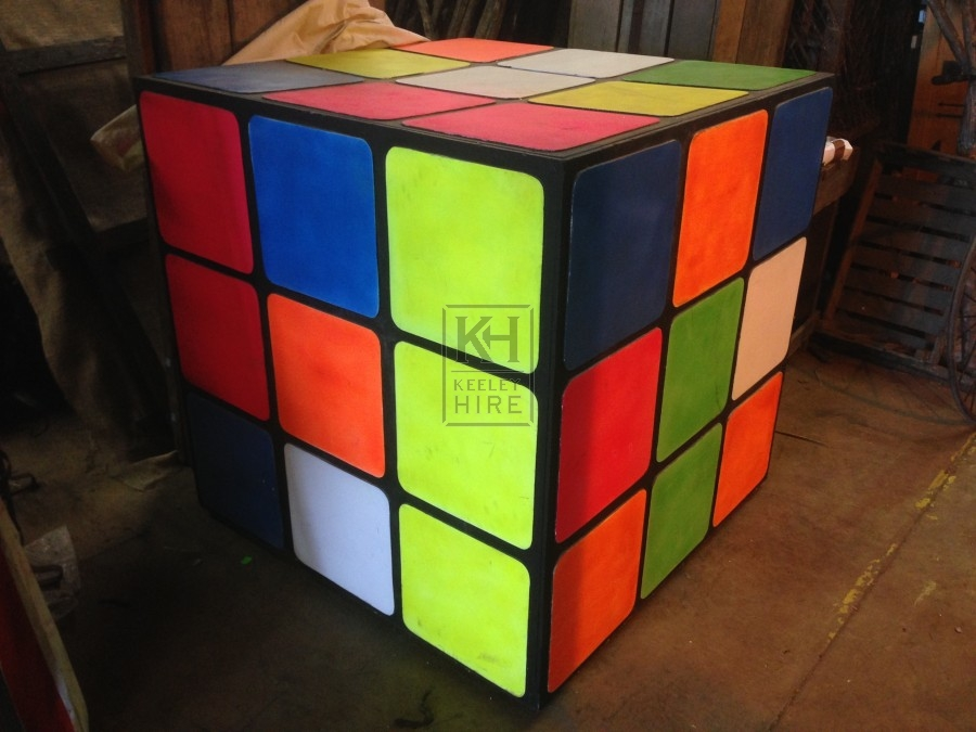 giant and oversized prop hire giant rubiks cube keeley hire. Black Bedroom Furniture Sets. Home Design Ideas