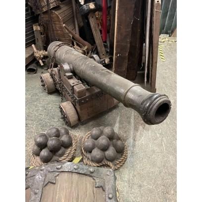 Medium Cannon & Balls