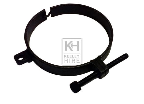 Iron neck clamp