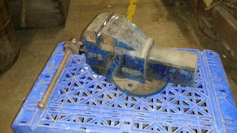 Iron vice clamp