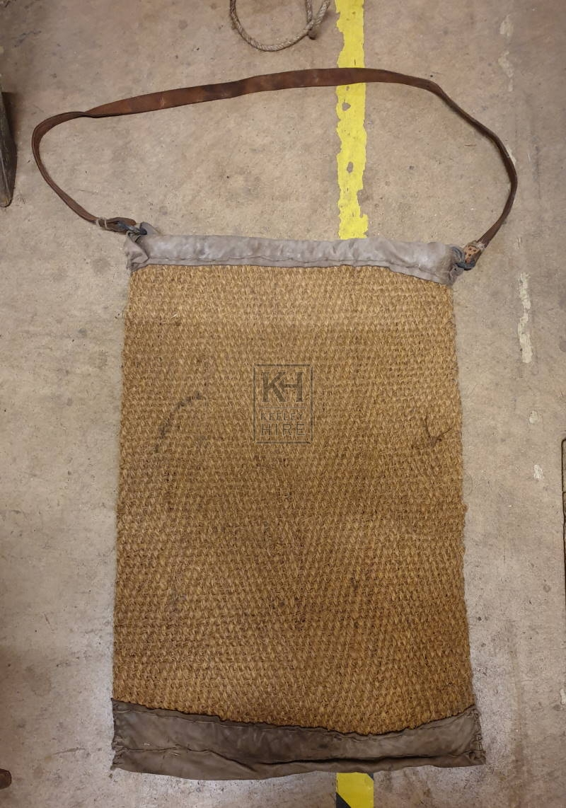 Large straw woven bag