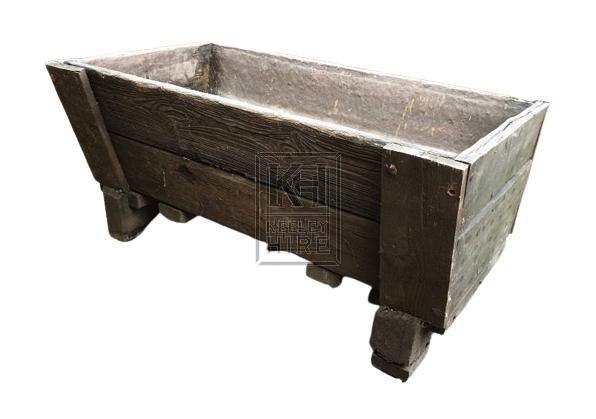 Low wood short trough