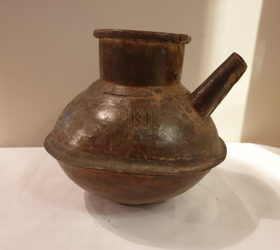 Iron pot with pipe