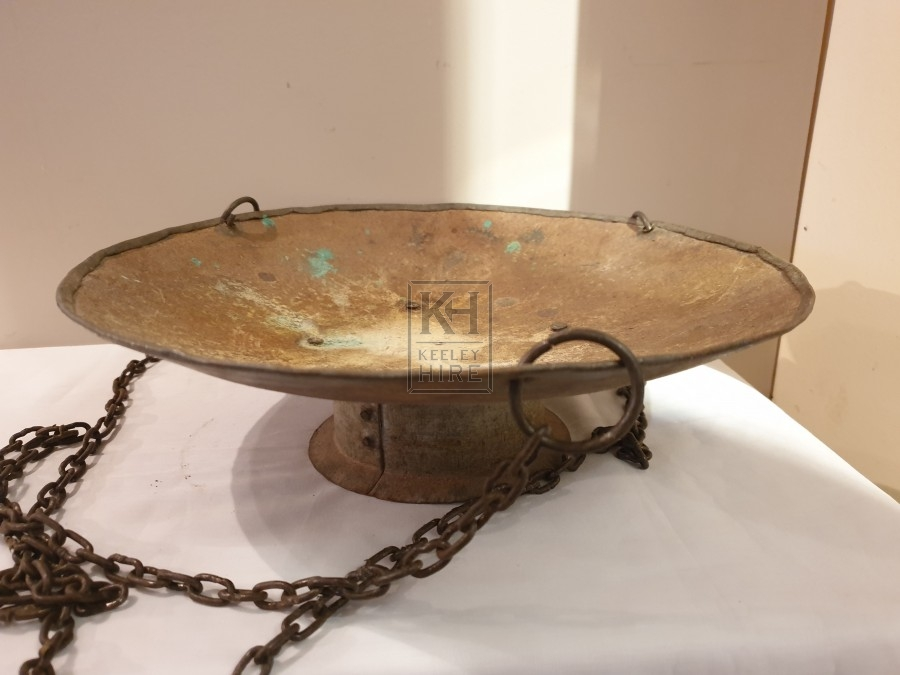 Iron dish with chain
