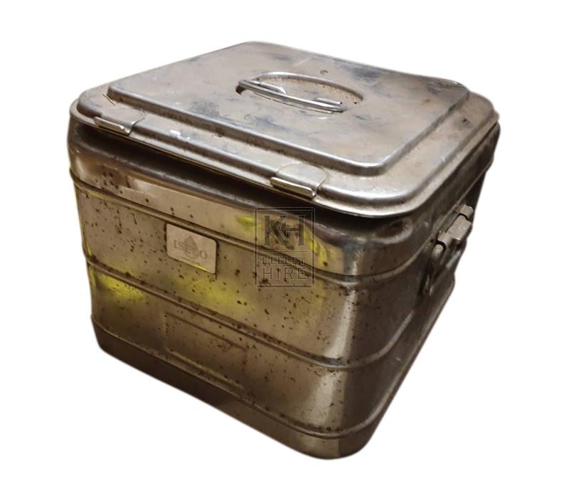 Small metal food tin