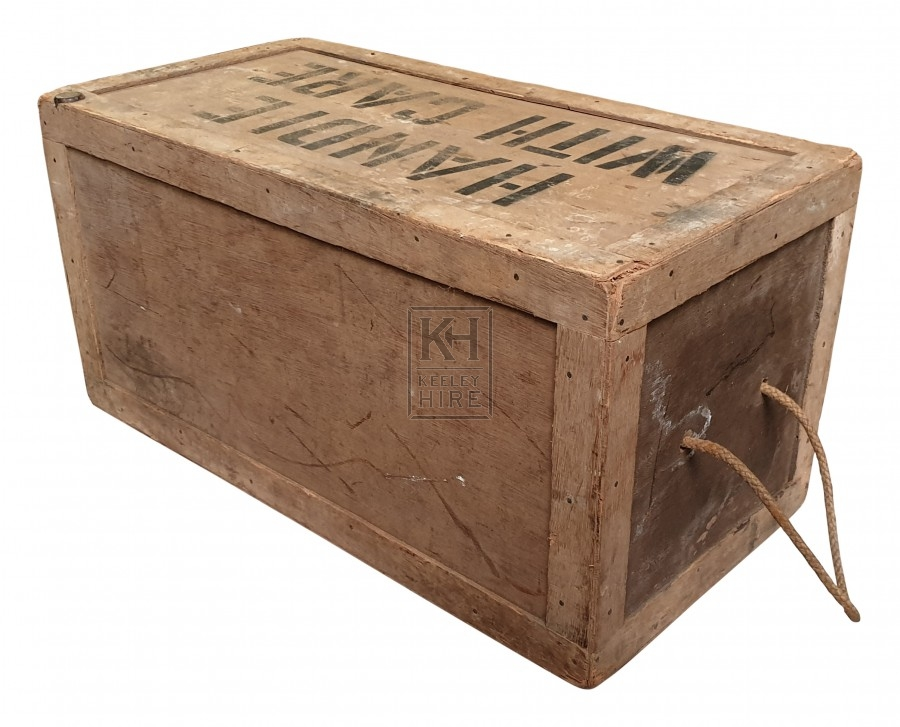 Plain handle with care crate