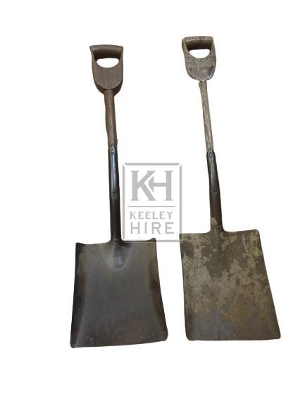 D-handle shovel