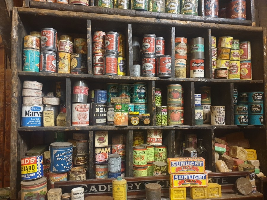 Assorted old shop tins & packets