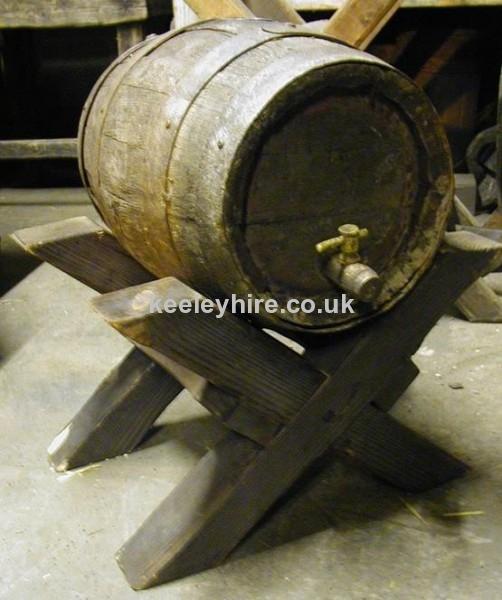 Low X Leg Wood Barrel Stand With barrel