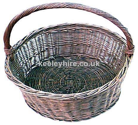 Shallow wicker hand basket