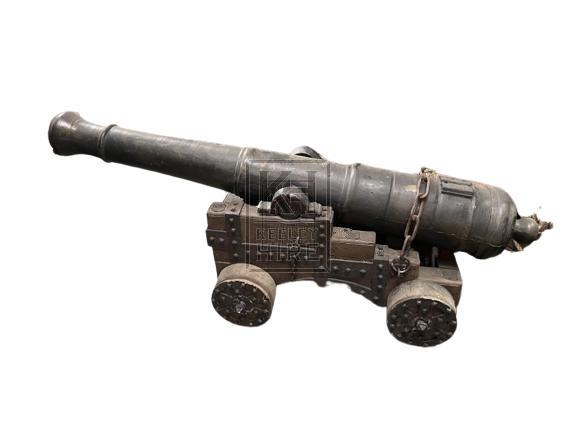 Small Cannon & Balls