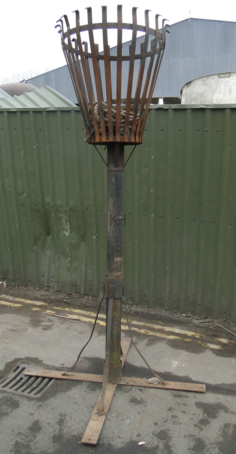 Wood post with iron curled top Flambeaux