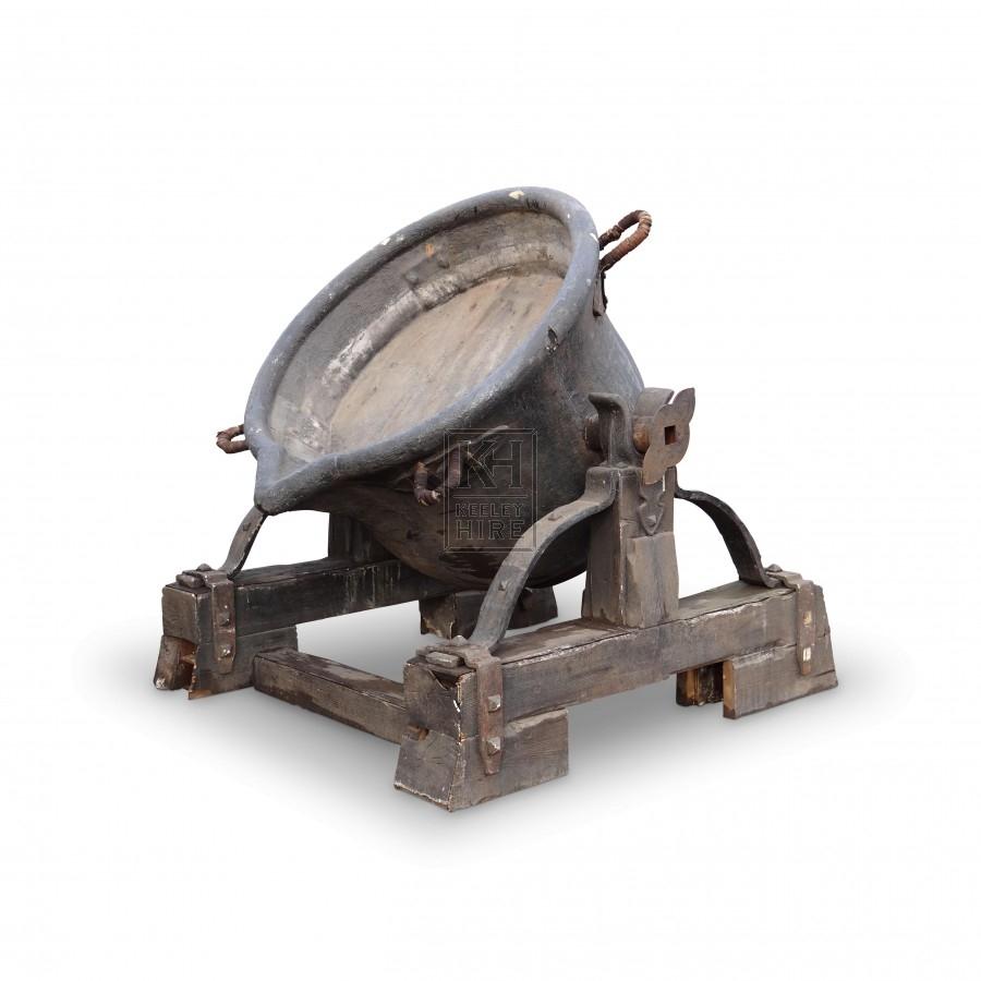 Large Tilting Cauldron on Base