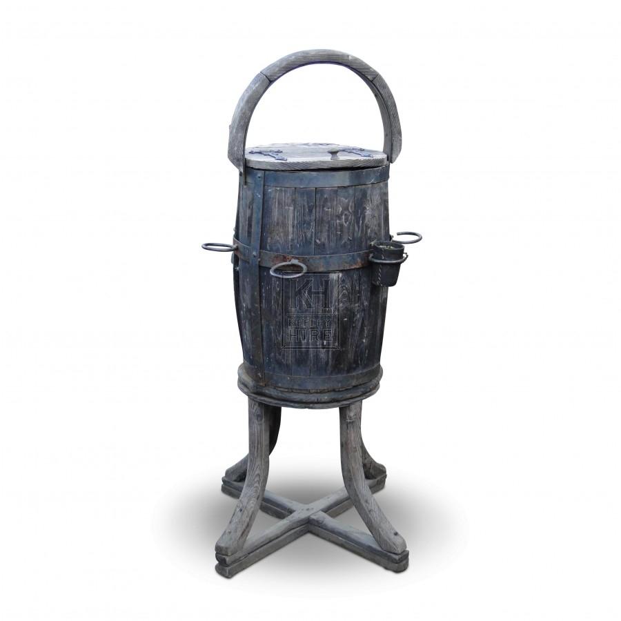 Upright Drinks Barrel Stand