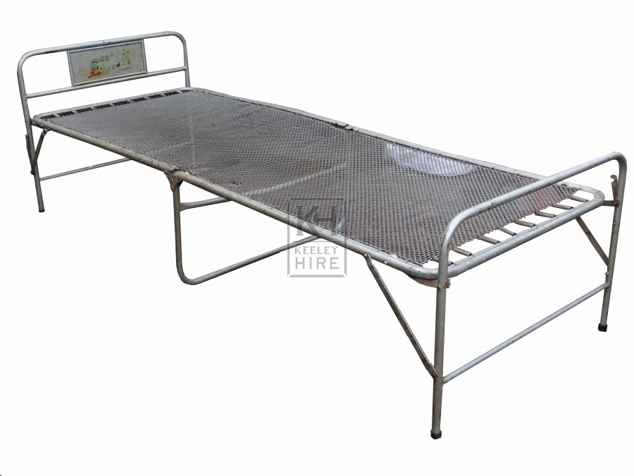Folding Wire Bed