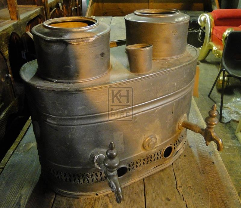 Double iron urn