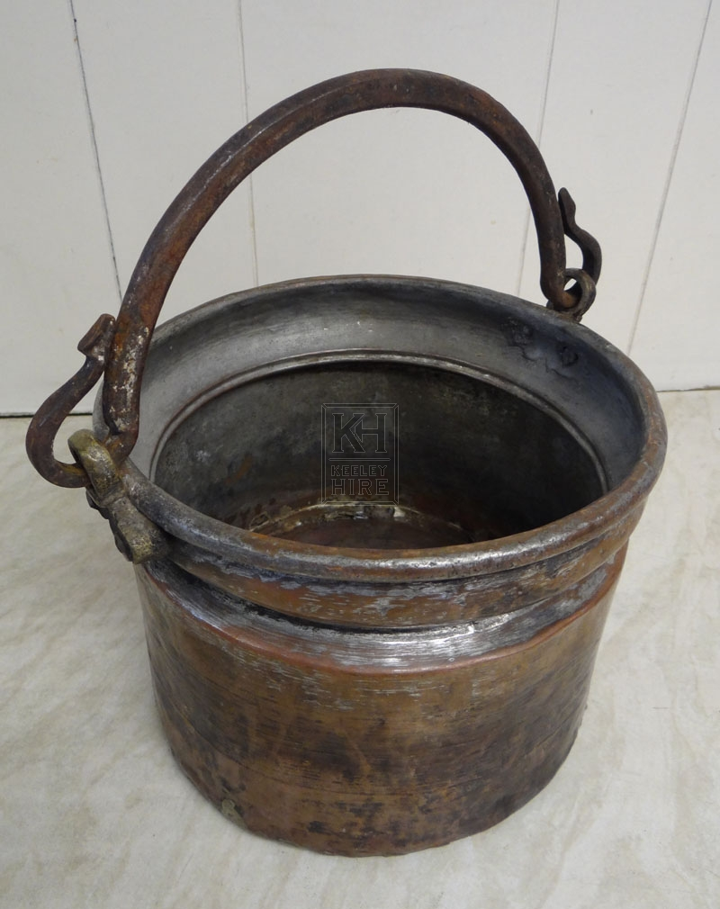 Copper cooking pot with handle