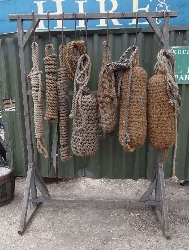 FS wood rack with fenders & rope