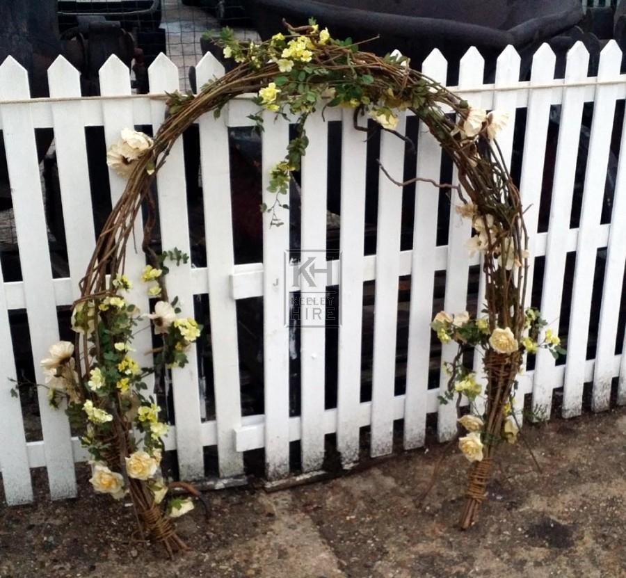 Wicker garland arch
