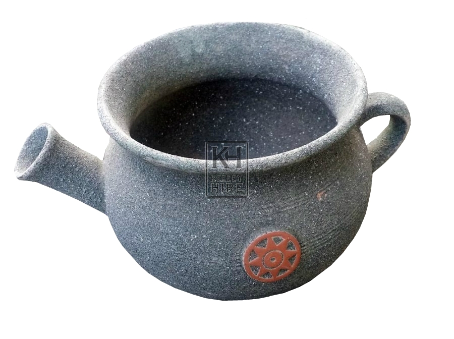 Ceramic pot with spout