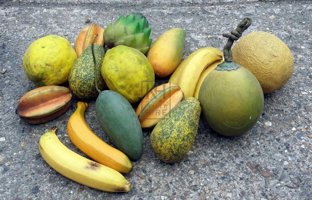 Selection of tropical fruit - per item