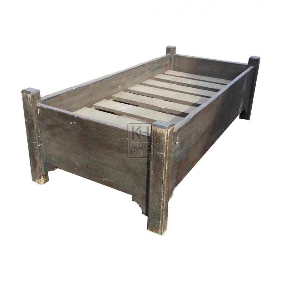 Deep wood bed