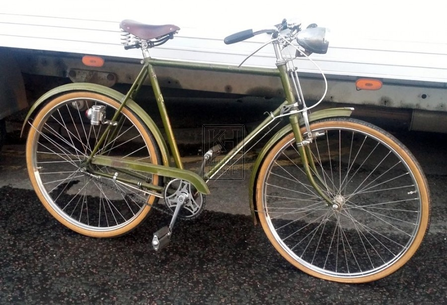Green gents bicycle