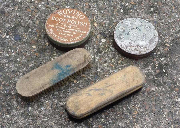 Shoe shine dressing 2 tins 2 brush