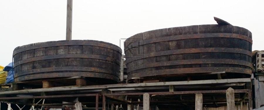Large wood oval tub