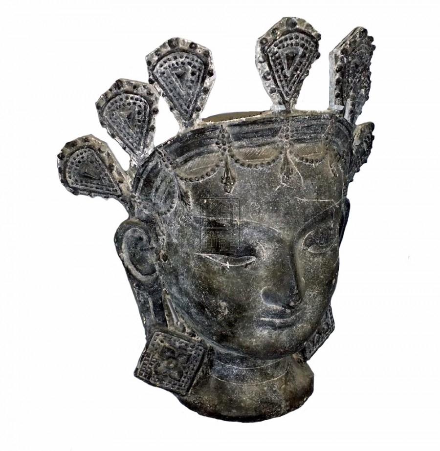Queen figurehead