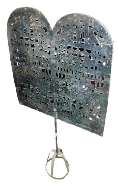 Freestanding fire screen