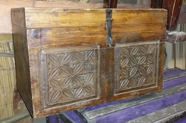 Medium carved flat chest