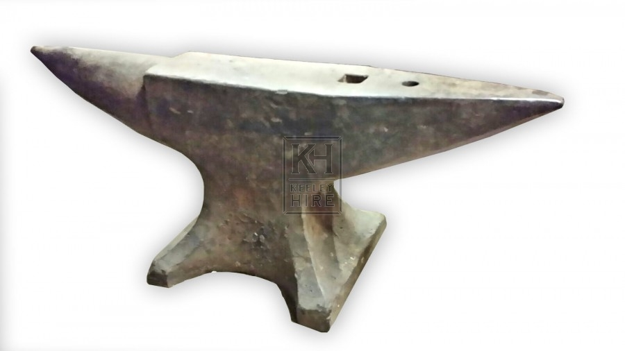 Double pointed iron anvil