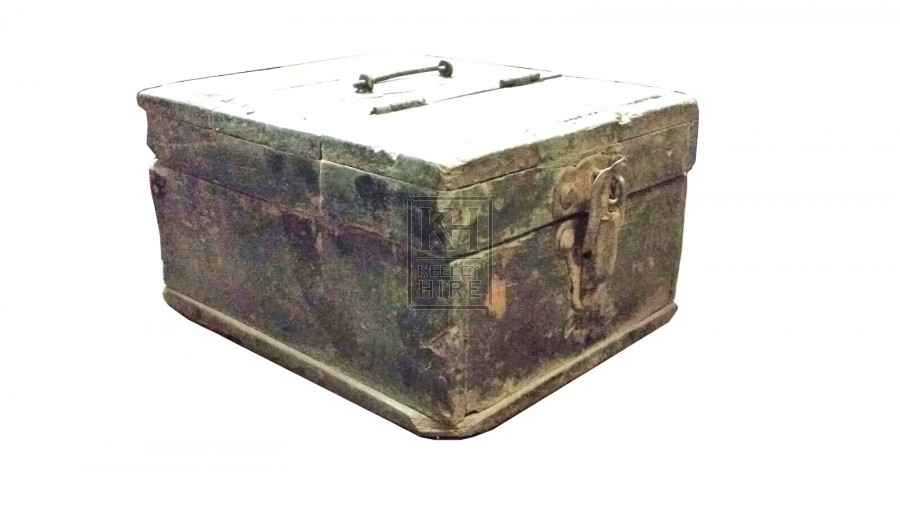 Small wood box with lid