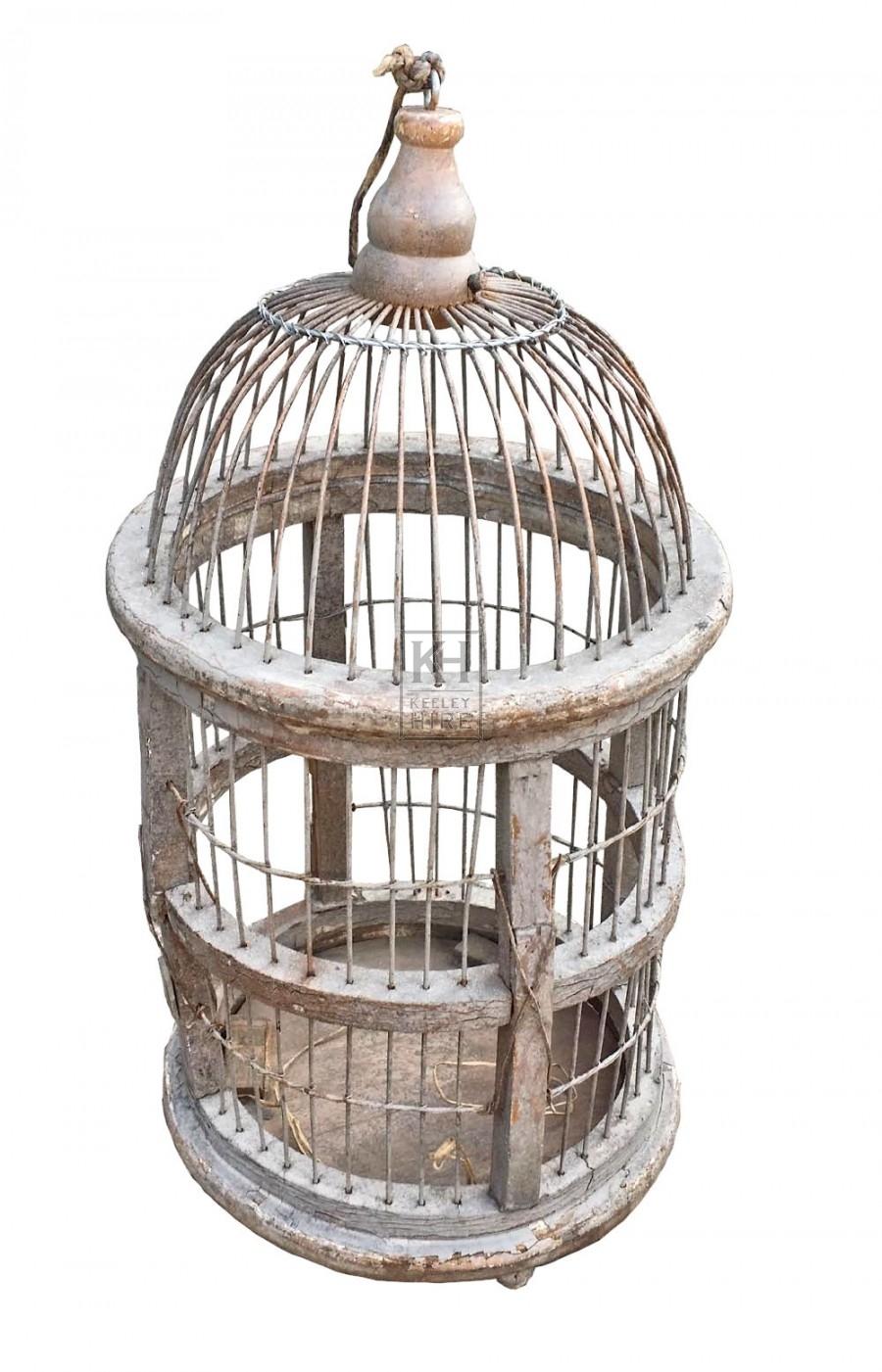 Round wood bird cage