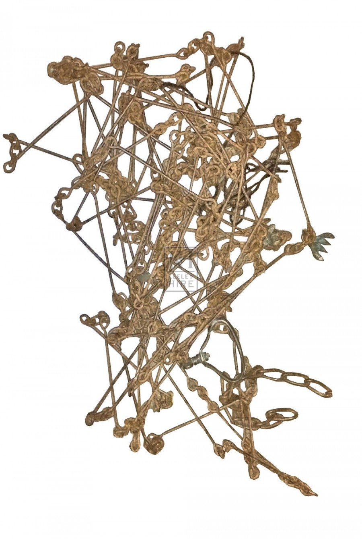 Qty straight rusty chain