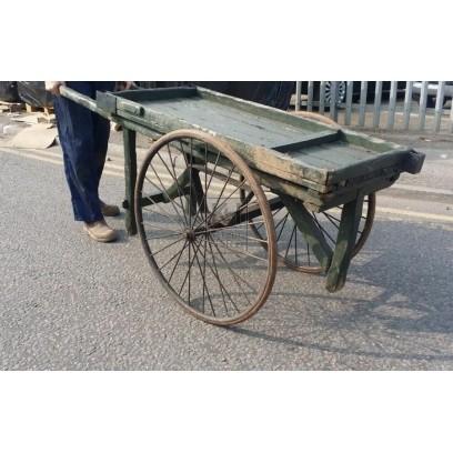 Medium flat cart with rubber tyres